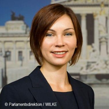 Eva-Maria Himmelbauer,