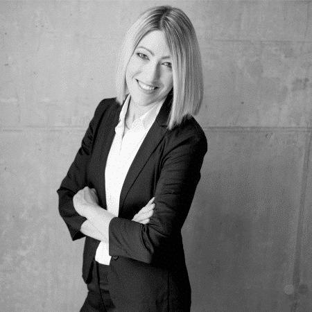 Jennifer Kahn, FIFA